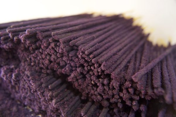 incense sticks vs cones